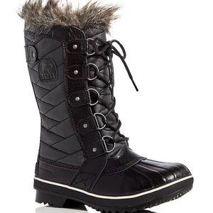Sorel Women's Tofino II Lace Up Boots